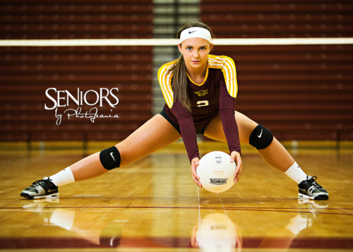 Volleyball Senior Picture Idea - Sports Senior Picture Ideas - Seniors by Photojeania